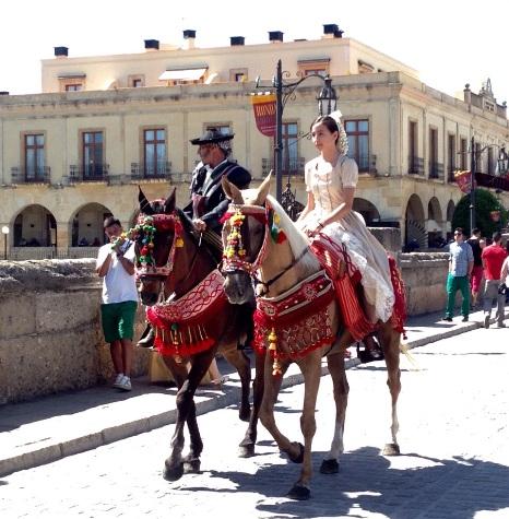 Ronda Romántica - pareja a caballo