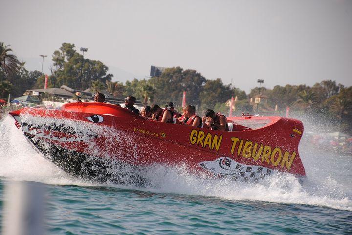lancha a motor Gran Tiburón en Benalmádena