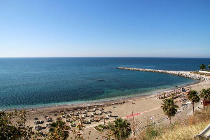 Playa de Torrevigía (Cerca de Sunset Beach Club)